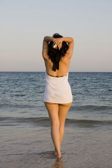 Free Woman Enjoys The Sea Stock Photography - 14288452