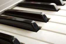 Free Piano Keys Royalty Free Stock Photography - 14289027