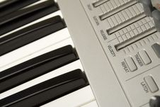 Free Synthesizer Close-up Royalty Free Stock Photos - 14289168