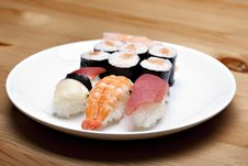 Free Sushi Set Royalty Free Stock Photos - 14289408