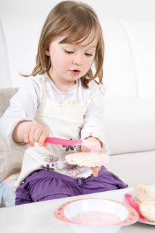 Free Little Girl Eating Royalty Free Stock Photo - 14289855