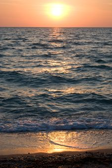 Free Sunset Over The Sea Stock Photography - 14292822