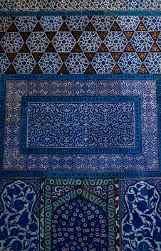 Free Iznik Tiles In The Topkapi Palace Royalty Free Stock Photography - 14293737