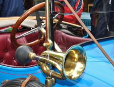 Free Vintage Car Royalty Free Stock Photo - 14294445