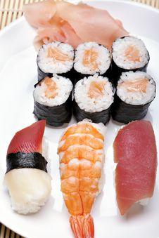 Free Sushi Set Royalty Free Stock Photo - 14299935