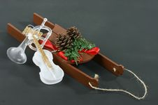 Free Christmas Sleigh With Instruments Stock Images - 1433994