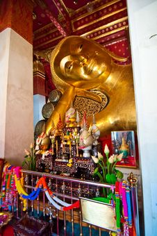 Free Reclining Buddha Royalty Free Stock Images - 14300389