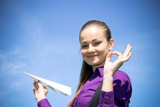 Free Young Caucasian Girl With Paper Plane In The Hand Royalty Free Stock Photos - 14309738