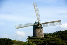 Free Traditional Windmill Royalty Free Stock Photo - 14311985