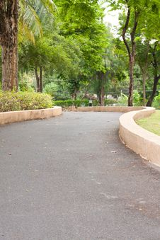 Free Curve Sidewalk In The Park Royalty Free Stock Photo - 14313755