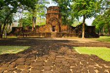 Free Khmer Stone Castles Stock Photography - 14315012