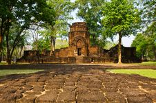 Free Khmer Stone Castles Royalty Free Stock Photography - 14315097
