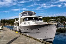 Free Private Yacht Sitting At A Dock Stock Images - 143139774
