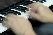 Free Fast Fingers On Piano Stock Photography - 14320382