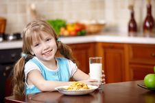 Free The Girl Has Breakfast Stock Images - 14322234