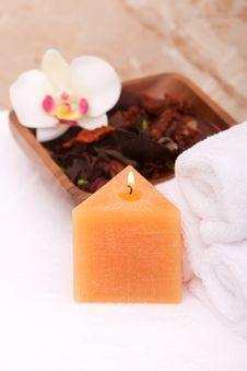Free Spa Candle Royalty Free Stock Images - 14322389