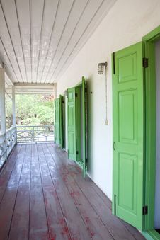 Free Green Doors. Royalty Free Stock Images - 14324049