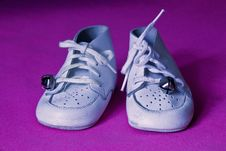 Free White Baby Shoes Stock Image - 14328071