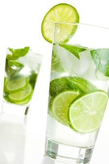 Free Ice Cold Mojito Royalty Free Stock Photography - 14329647