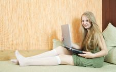 Free Girl  With Laptop On Sofa Royalty Free Stock Photo - 14329815