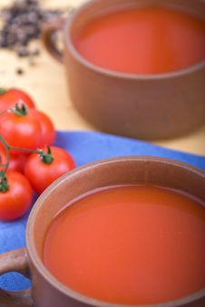 Free Tomatoe Soup In A Bowl Stock Photo - 14331380