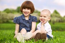 Free Sister And Brother Playing Royalty Free Stock Image - 14332416