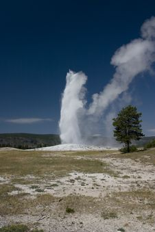 Free Geyser Royalty Free Stock Photography - 14333777