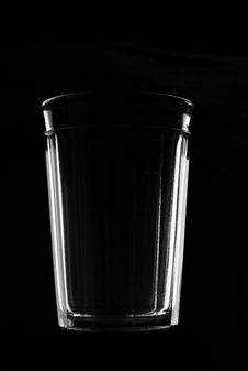 Free Thick Glass Tumbler On Black Royalty Free Stock Photos - 14334498