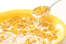 Free Corn Flakes In A Yellow Pot Royalty Free Stock Photo - 14335405