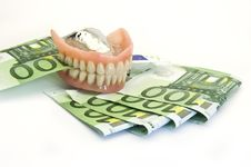 Free Dentures And Money Royalty Free Stock Photos - 14337078