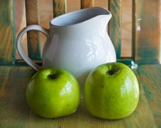 Free Apples And Jug Royalty Free Stock Image - 14337446
