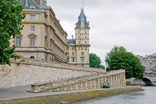 Buildings Along The Seine River Royalty Free Stock Photos