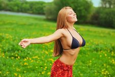 Free Girl On Green Field Royalty Free Stock Images - 14338489