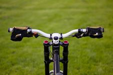 Free Bicycle On A Field Stock Image - 14339931