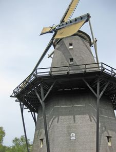 Free Dutch Windmill Stock Photography - 14340812