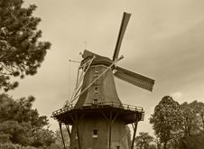 Free Dutch Windmill Stock Images - 14340984