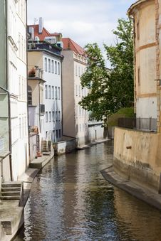 Free Prague River Royalty Free Stock Image - 14347156