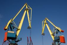 Free Two Heavy Industrial Cranes Working Stock Photo - 14348070