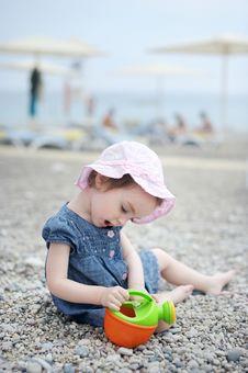Free Adorable Toddler Girl Plaiyng On A Beach Royalty Free Stock Photos - 14349888