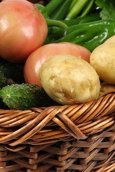 Free Basket Of Vegetables Stock Images - 14350074