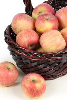 Free A Basket With Red Ripe Apples Stock Image - 14350731