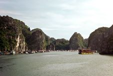 Free Halong Bay, Vietnam Stock Photo - 14356700