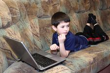 Free Small Boy With Notebook Royalty Free Stock Photography - 14362477