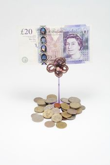 Free Twenty Pound Notes And Coins Stock Photo - 14371960