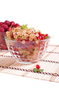 Free Fresh Raspberry And Currant Royalty Free Stock Photography - 14373447
