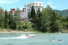 Free Hotel On  Mountain Rivers Stock Images - 14375734