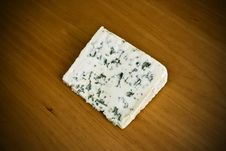 Free Blue Cheese On Wood Stock Photography - 14385382