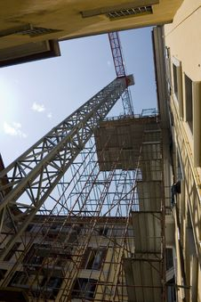 Free Crane And Scaffold Stock Images - 14387714