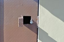 Free Metal Door And Lock Royalty Free Stock Photography - 14391187