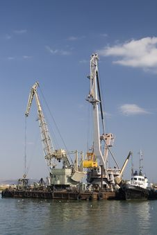 Free Port Cranes Royalty Free Stock Image - 14392876